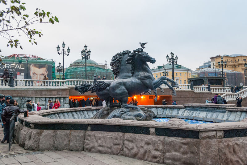 Red_Square_Alexandrovsky_Garden_Filberd_03