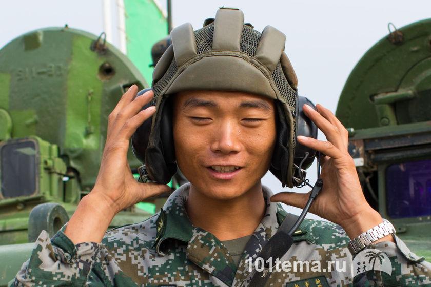Nikkor_35-1.8G_Nikon_D800E_Tanks_Biathlon-2014_101tema.ru_Filberd_DOK_5297_Faces_2