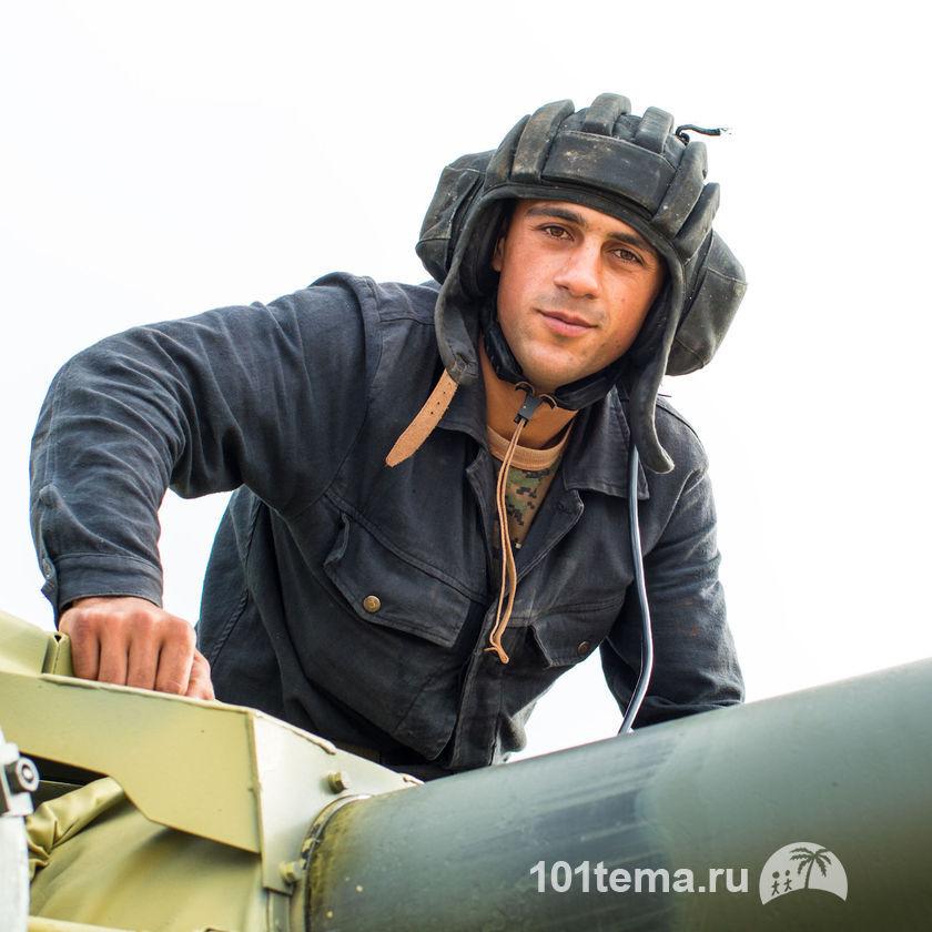Nikkor_35-1.8G_Nikon_D800E_Tanks_Biathlon-2014_101tema.ru_Filberd_DOK_5315_Faces
