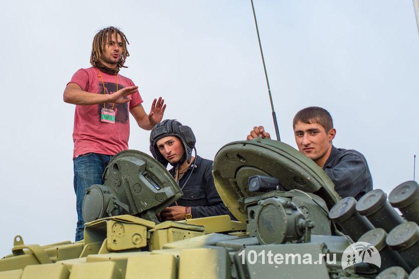 Nikkor_35-1.8G_Nikon_D800E_Tanks_Biathlon-2014_101tema.ru_Filberd_DOK_5318_Faces