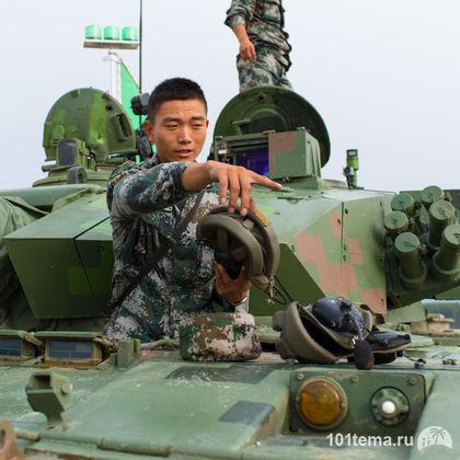 Nikkor_35-1.8G_Nikon_D800E_Tanks_Biathlon-2014_101tema.ru_Filberd_DOK_5295
