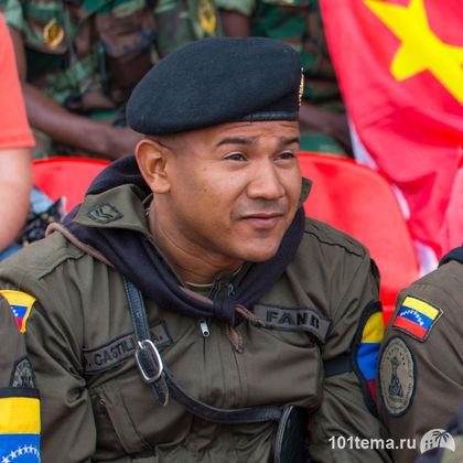Tanks_Biathlon-2014_Nikon_D800E_101tema.ru_Filberd_DOK_5420_Faces
