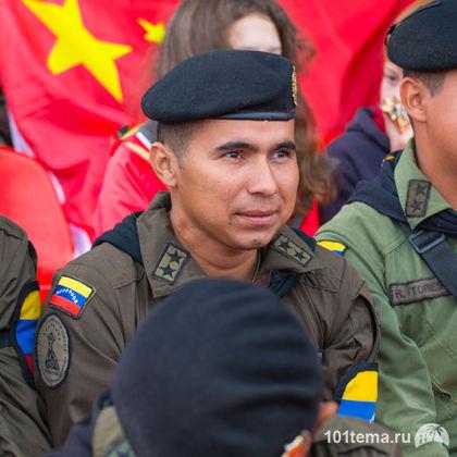 Tanks_Biathlon-2014_Nikon_D800E_101tema.ru_Filberd_DOK_5420_Faces_Center_Faces