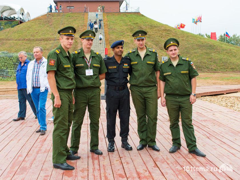 Nikkor_35-1.8G_Nikon_D800E_Tanks_Biathlon-2014_101tema.ru_Filberd_DOK_5362