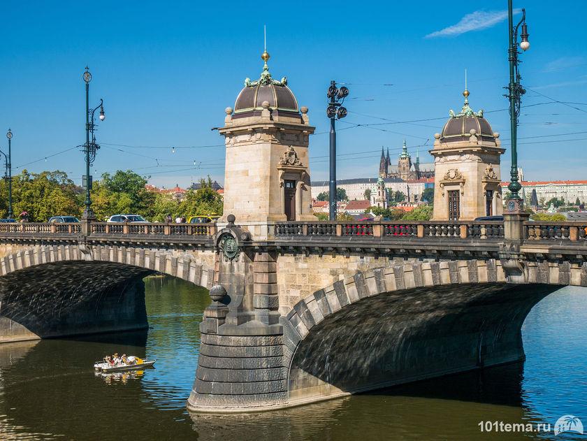 Prague-2015_Panasonic-GF7_101tema.ru_Marisha_Filberd_P1030241_Lumix-G-Lens-H-FS12032