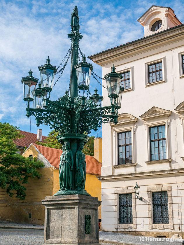 Prague-2015_Panasonic-GF7_101tema.ru_Marisha_Filberd_P1030398_Lumix-G-Lens-H-FS12032