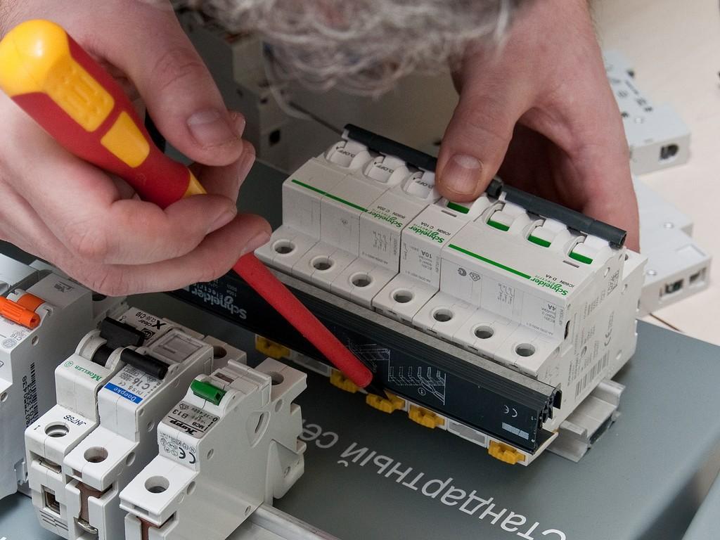 Schneider_Electric_Acti9_DSC_4735