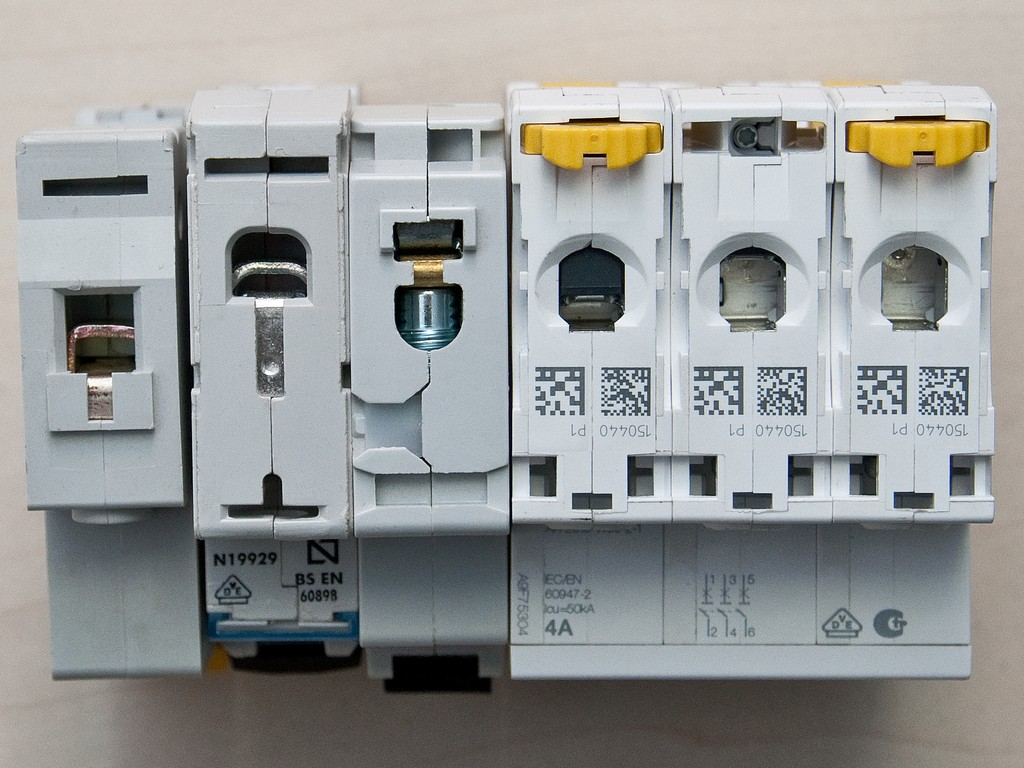 Schneider_Electric_Acti9_DSC_4708