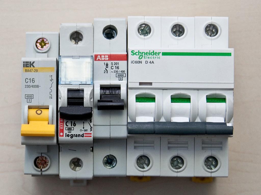 Schneider_Electric_Acti9_DSC_4709